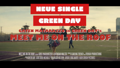 Green Day & Stranger Things' Gaten Matarazzo im offiziellen Musikvideo zu Meet Me On The Roof